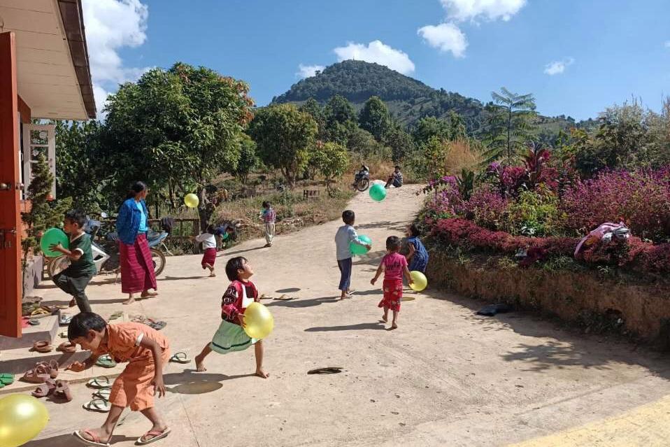 미얀마 7호 학교에 멋진 교문이 생겼습니다